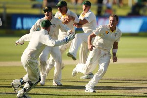 On one leg, Harris drives Australia to a series victory in South Africa.